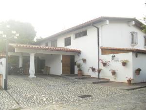 Casa En Ventaen Caracas, Lomas De Chuao, Venezuela, VE RAH: 19-3975