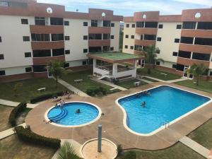 Apartamento En Ventaen Higuerote, Higuerote, Venezuela, VE RAH: 19-3994