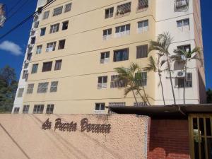 Apartamento En Ventaen Barquisimeto, Parroquia Concepcion, Venezuela, VE RAH: 19-4339