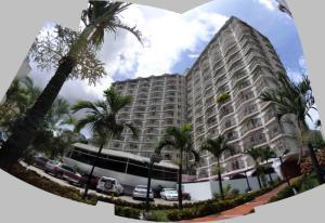 Apartamento En Ventaen Caracas, El Paraiso, Venezuela, VE RAH: 19-4058