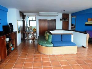 Apartamento En Ventaen Parroquia Caraballeda, Caribe, Venezuela, VE RAH: 19-4077
