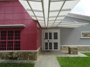 Casa En Ventaen Caracas, Country Club, Venezuela, VE RAH: 19-4098