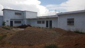 Galpon - Deposito En Ventaen La Vela De Coro, Intercomunal Coro La Vela, Venezuela, VE RAH: 19-4113