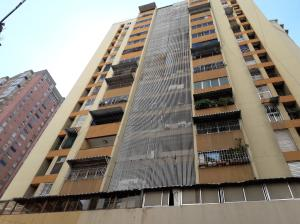 Apartamento En Ventaen Caracas, Parroquia La Candelaria, Venezuela, VE RAH: 19-4155