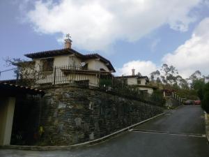 Casa En Ventaen San Antonio De Los Altos, Club De Campo, Venezuela, VE RAH: 19-4152