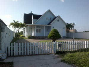 Townhouse En Ventaen Higuerote, Puerto Encantado, Venezuela, VE RAH: 19-4278