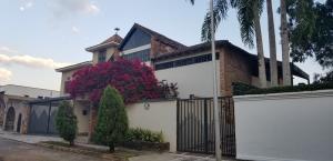 Casa En Ventaen Valencia, Altos De Guataparo, Venezuela, VE RAH: 19-4313