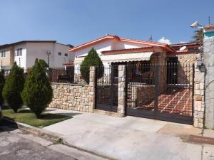 Casa En Ventaen Valencia, Trigal Norte, Venezuela, VE RAH: 19-4419