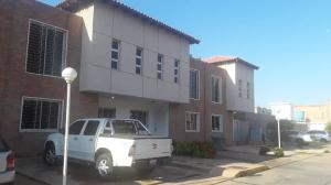 Townhouse En Ventaen Maracaibo, Los Olivos, Venezuela, VE RAH: 19-4296