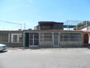 Casa En Ventaen Palo Negro, Conjunto Residencial Palo Negro, Venezuela, VE RAH: 19-4561
