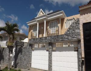 Casa En Ventaen Caracas, Colinas De Vista Alegre, Venezuela, VE RAH: 19-4659