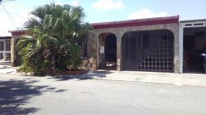 Casa En Ventaen Municipio Los Guayos, Paraparal, Venezuela, VE RAH: 19-5062