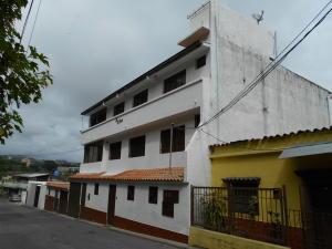 Casa En Ventaen Los Teques, Macarena Sur, Venezuela, VE RAH: 19-4913