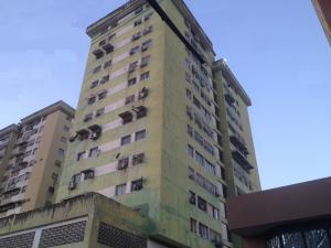 Apartamento En Ventaen Turmero, Zona Centro, Venezuela, VE RAH: 19-4651