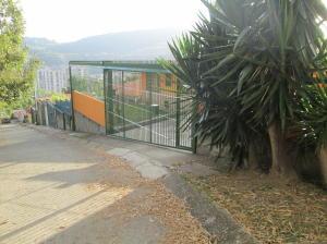 Casa En Ventaen Caracas, Lomas De La Trinidad, Venezuela, VE RAH: 19-4969