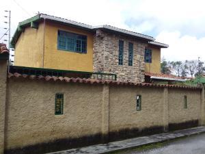 Casa En Ventaen San Antonio De Los Altos, Los Salias, Venezuela, VE RAH: 19-4984