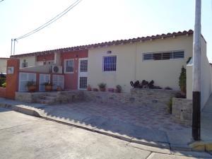 Casa En Ventaen Cabudare, Parroquia José Gregorio, Venezuela, VE RAH: 19-5009