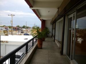Local Comercial En Alquileren Municipio San Francisco, La Coromoto, Venezuela, VE RAH: 19-5260