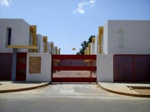 Townhouse En Ventaen Municipio San Francisco, La Coromoto, Venezuela, VE RAH: 19-5080