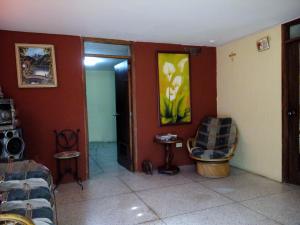 Local Comercial En Ventaen Maracaibo, Cecilio Acosta, Venezuela, VE RAH: 19-5258
