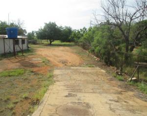 Terreno En Ventaen Municipio San Francisco, El Bajo, Venezuela, VE RAH: 19-5068