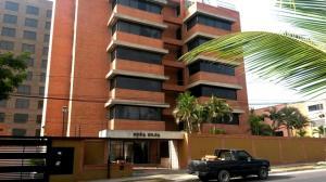 Apartamento En Ventaen Catia La Mar, Playa Grande, Venezuela, VE RAH: 19-5165