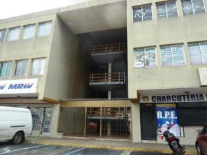 Oficina En Ventaen Maracaibo, Avenida Goajira, Venezuela, VE RAH: 19-5174