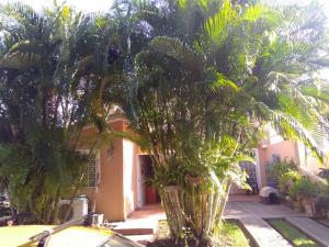 Casa En Ventaen Cabudare, Prados Del Golf, Venezuela, VE RAH: 19-5281