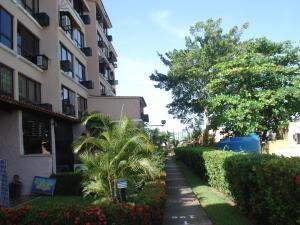 Apartamento En Ventaen Higuerote, Agua Sal, Venezuela, VE RAH: 19-5300