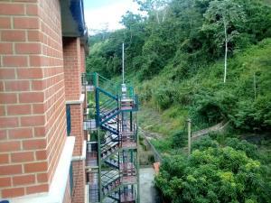 Apartamento En Ventaen Charallave, Valles De Chara, Venezuela, VE RAH: 19-5299