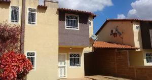 Casa En Ventaen El Tigre, Sector Avenida Jesus Subero, Venezuela, VE RAH: 19-5371