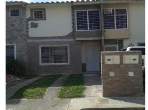 Casa En Ventaen Cua, Las Mesetas, Venezuela, VE RAH: 19-5347