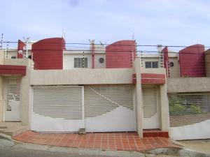 Townhouse En Ventaen Maracaibo, Cumbres De Maracaibo, Venezuela, VE RAH: 19-5418
