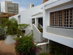 Casa En Ventaen Maracaibo, Avenida El Milagro, Venezuela, VE RAH: 19-7727