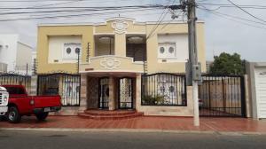 Townhouse En Ventaen Municipio San Francisco, La Coromoto, Venezuela, VE RAH: 19-5577