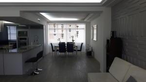 Apartamento En Ventaen Maracaibo, El Milagro, Venezuela, VE RAH: 19-5471