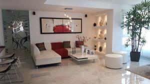 Apartamento En Ventaen Maracaibo, La Lago, Venezuela, VE RAH: 19-5474