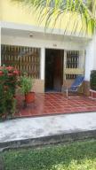 Townhouse En Ventaen Higuerote, Higuerote, Venezuela, VE RAH: 19-5514