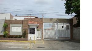 Townhouse En Alquileren Maracaibo, Los Olivos, Venezuela, VE RAH: 19-5533