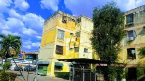 Apartamento En Ventaen Maracay, Girardot, Venezuela, VE RAH: 19-5607