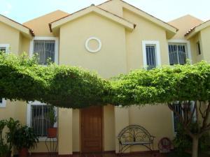 Townhouse En Ventaen Maracaibo, Avenida Milagro Norte, Venezuela, VE RAH: 19-5653