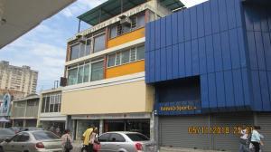 Local Comercial En Ventaen Maracay, El Centro, Venezuela, VE RAH: 19-5661