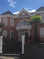 Casa En Ventaen Caracas, Los Naranjos Del Cafetal, Venezuela, VE RAH: 19-5744