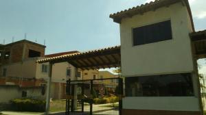 Townhouse En Ventaen Valencia, Flor Amarillo, Venezuela, VE RAH: 19-5750