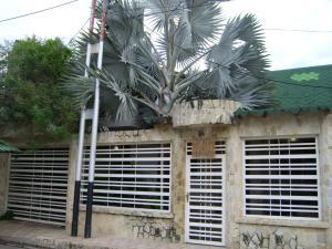 Casa En Ventaen Turmero, Villas Del Carmen, Venezuela, VE RAH: 19-5780