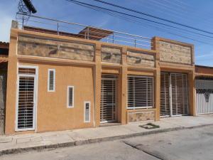 Casa En Ventaen Municipio Linares Alcantara, La Morita I, Venezuela, VE RAH: 19-5781