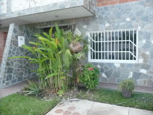 Townhouse En Ventaen Palo Negro, Conjunto Residencial El Oasis, Venezuela, VE RAH: 19-5794