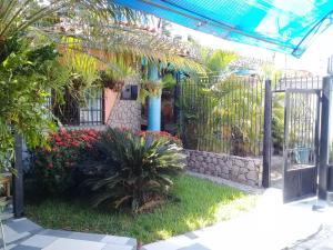 Casa En Ventaen Palo Negro, Los Libertadores, Venezuela, VE RAH: 19-5855