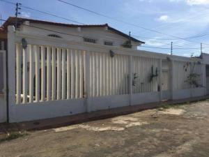 Casa En Ventaen Punto Fijo, Santa Fe, Venezuela, VE RAH: 19-5926