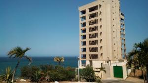 Apartamento En Alquileren Catia La Mar, Playa Grande, Venezuela, VE RAH: 19-6408